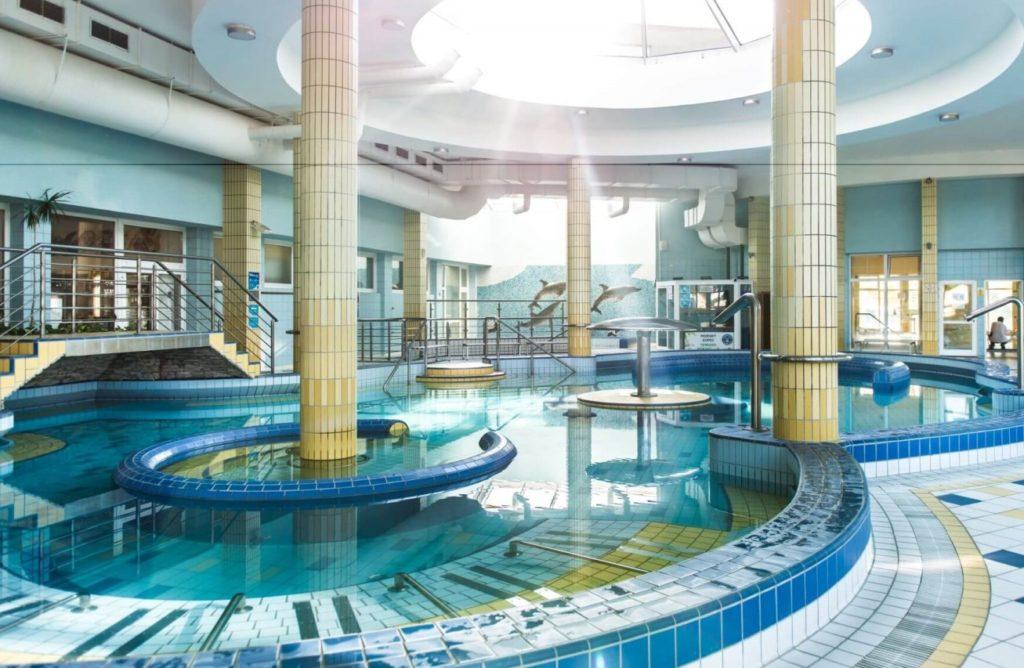 Dunaszerdahely fedett fürdő