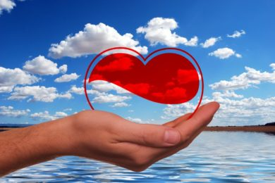 Valentin-napi programok, akciók, éjszakai fürdőzések
