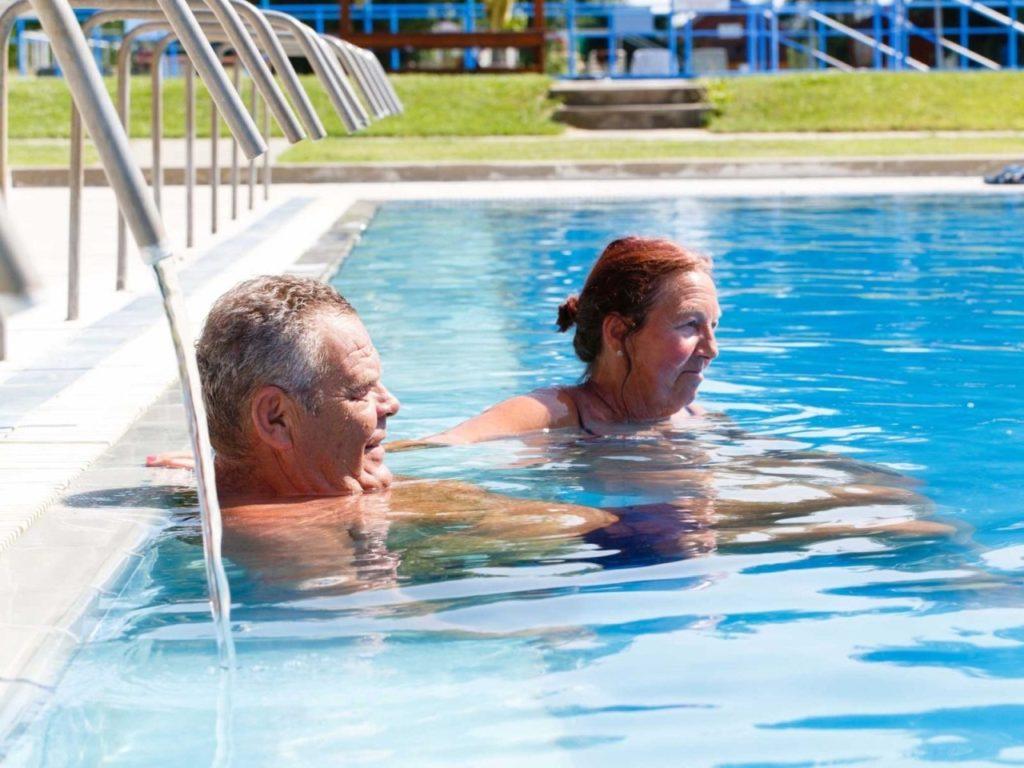 Kehida gyógyvizes úszómedence