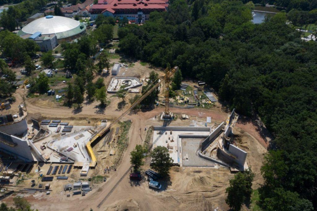Debrecen nagyerdei strand építkezés