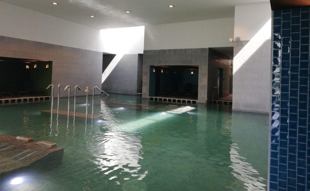 Jódos sós fürdő beltéri medence