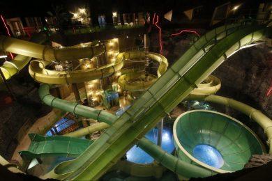 Fedett aquaparkok, ahol egész évben csúszdázhatunk