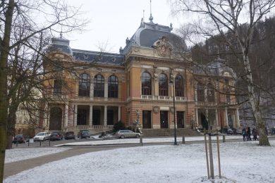 Karlovy Vary: felújítják a híres Császárfürdőt