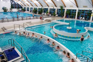 1,5 milliárd forintból fejlesztik a Szarvasi Gyógyfürdőt