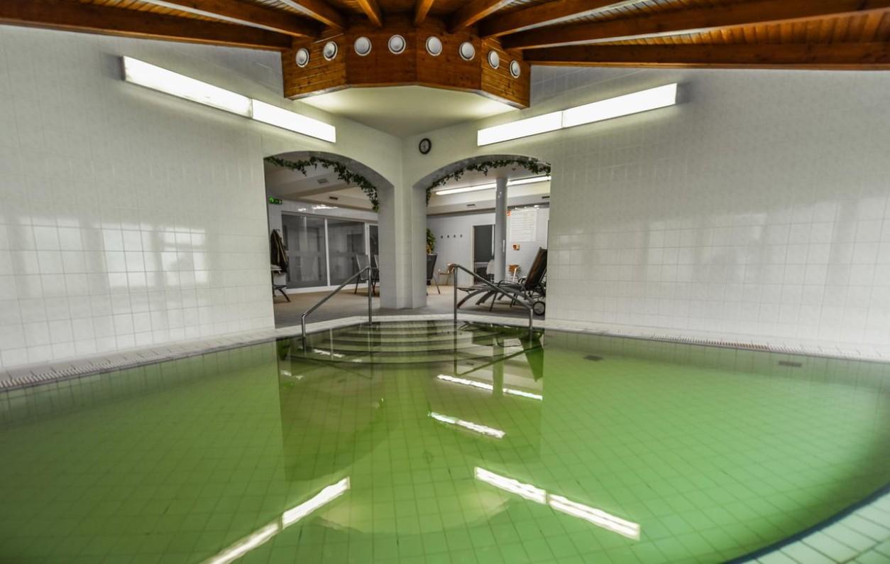 Aqua Hotel Termál termálmedence