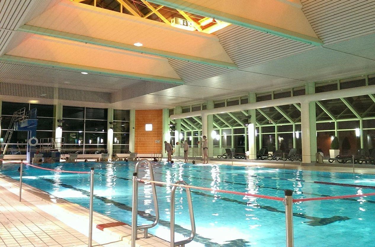 medence úszómedence