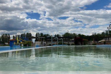 Sorra nyitnak a szlovákiai termálfürdők