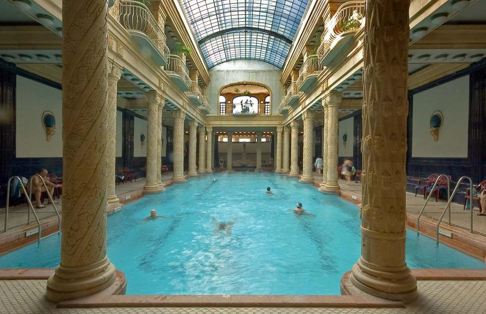 Gellért Gyógyfürdő úszómedence