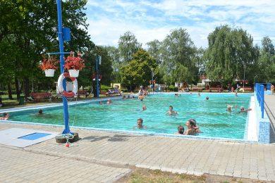 Fürdőtipp: olcsó gyógyvizes strand Pest megyében