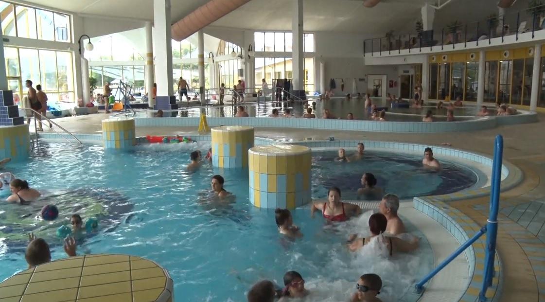 Sárvárfürdő beltéri medence