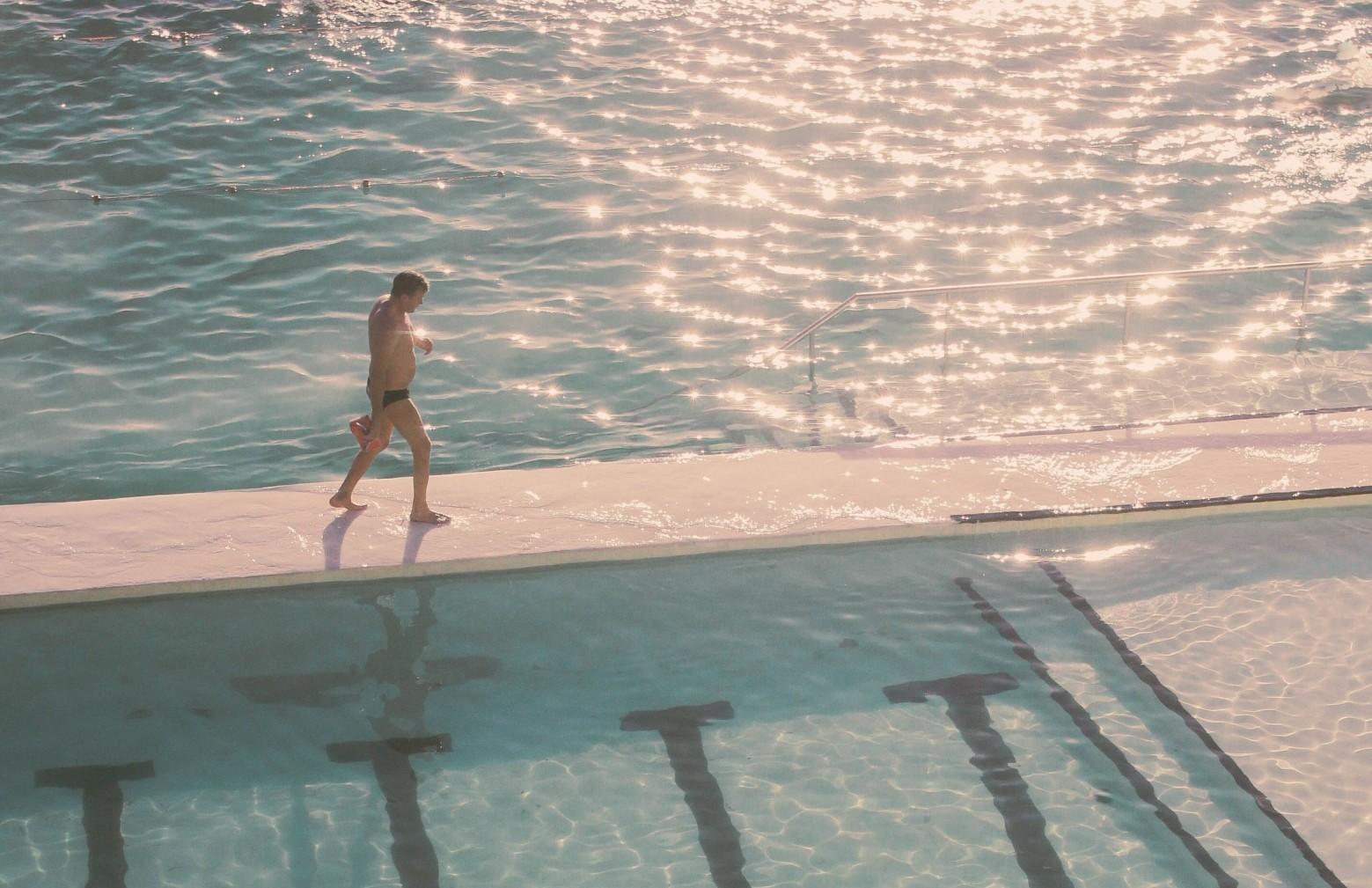 fürdők medence úszómedence