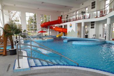 Átadták a Bogácsi Gyógyfürdő fedett élményfürdőjét