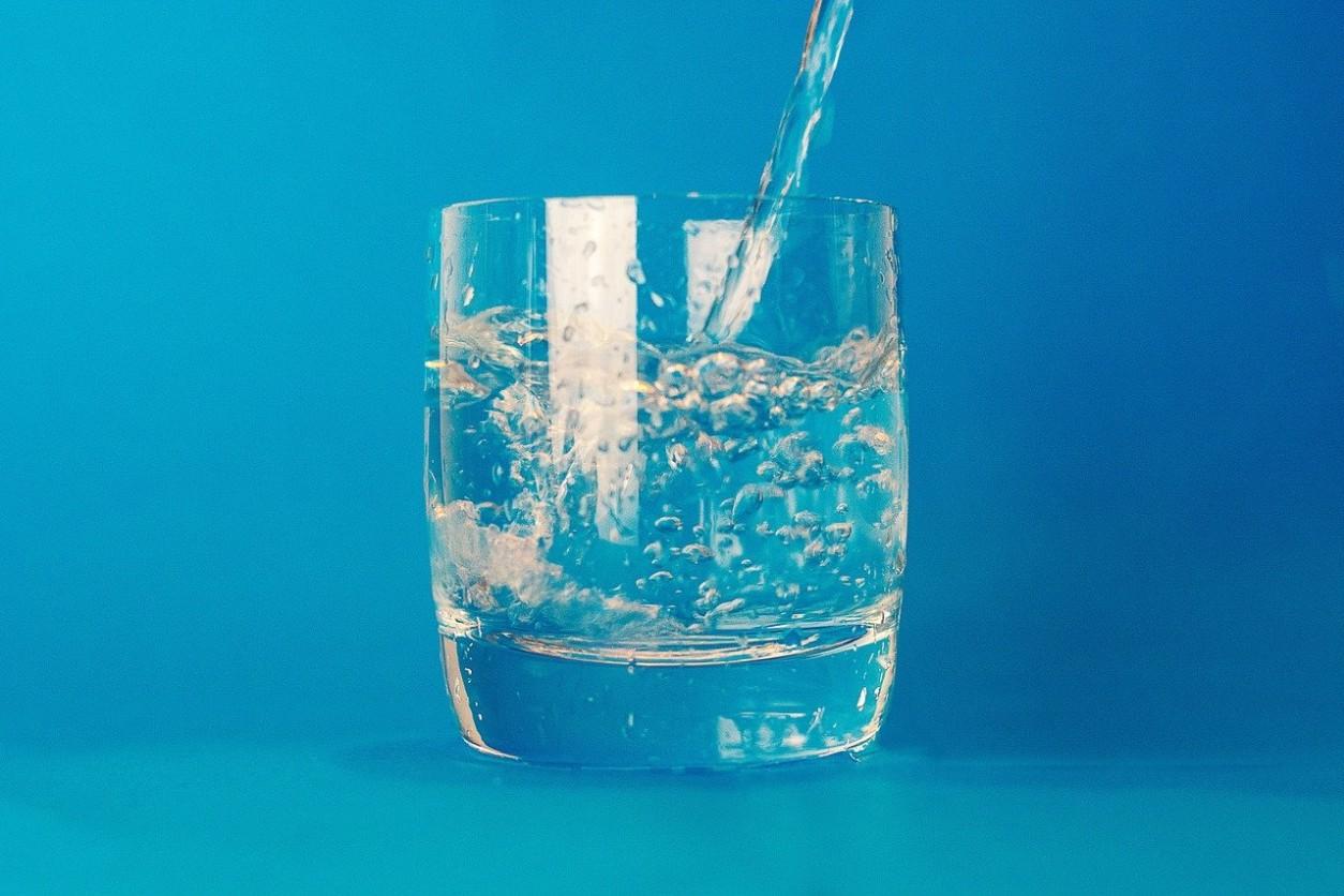 Gyógyvíz ivókúra puffadás