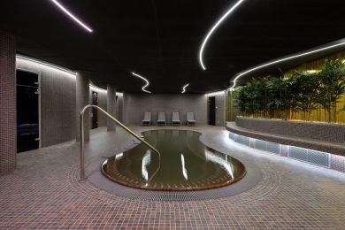 Ma hivatalosan átadták a fürdőrészleggel is rendelkező Belvárosi Sportközpontot