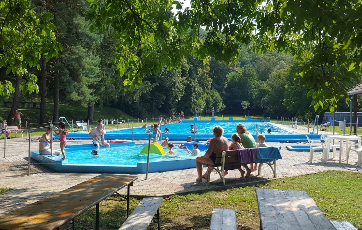 Szászvár strandfürdő